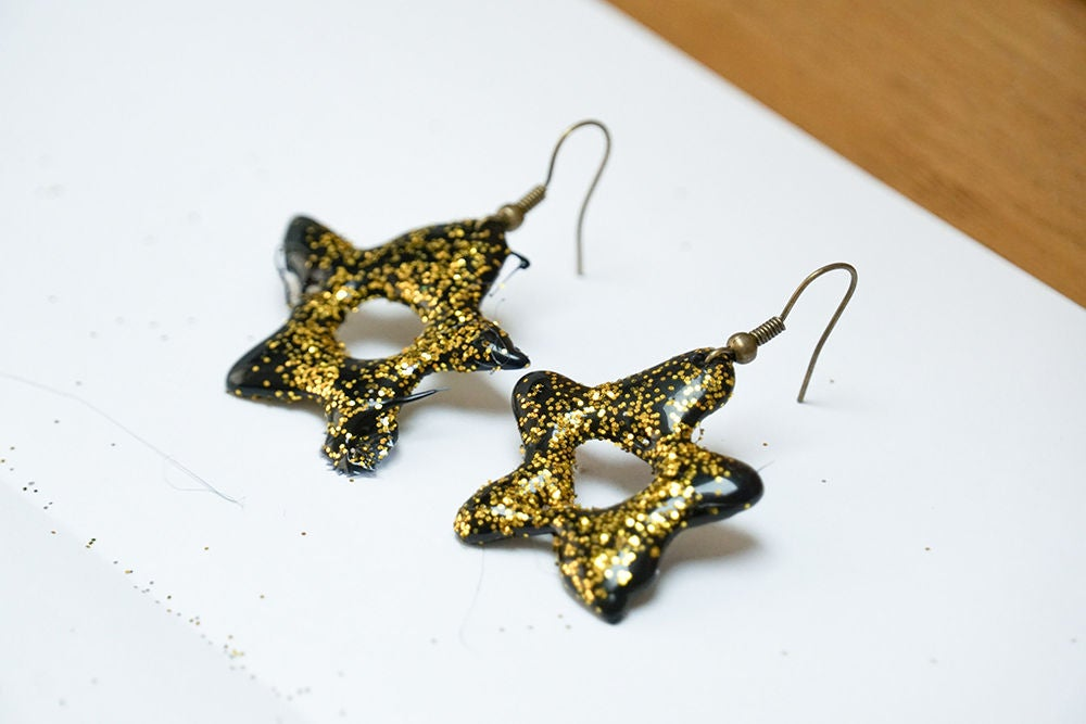Picture of DIY Hot Glue Stars - 3 Ways! | Earrings & Decorations