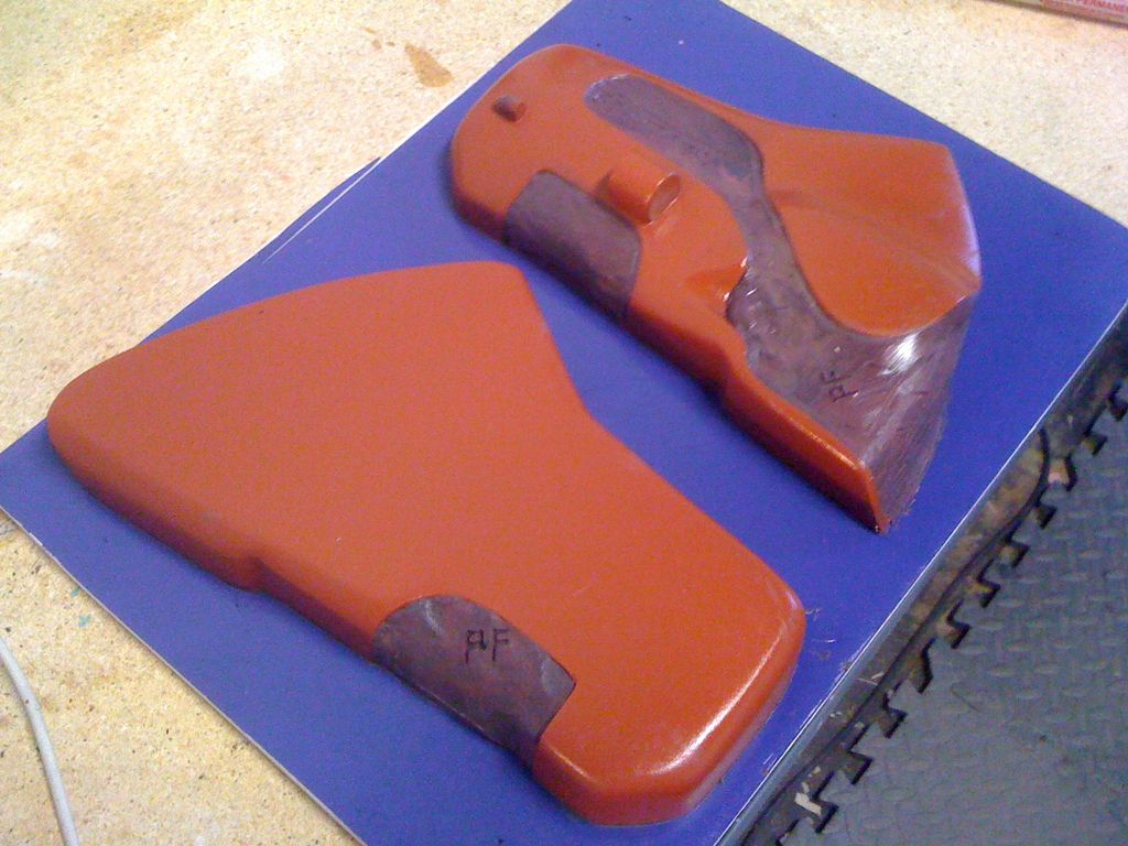 Picture of Battlestar Galactica Season 1 Sidearm Prop With Holster