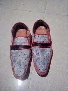 Elegant Shoes From Throwaway Ones.