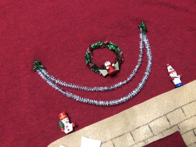 Adding the Garlands and Wreath