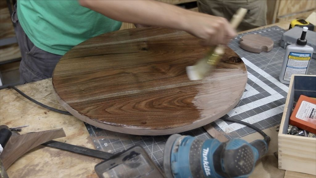 Picture of APPLYING FINISH