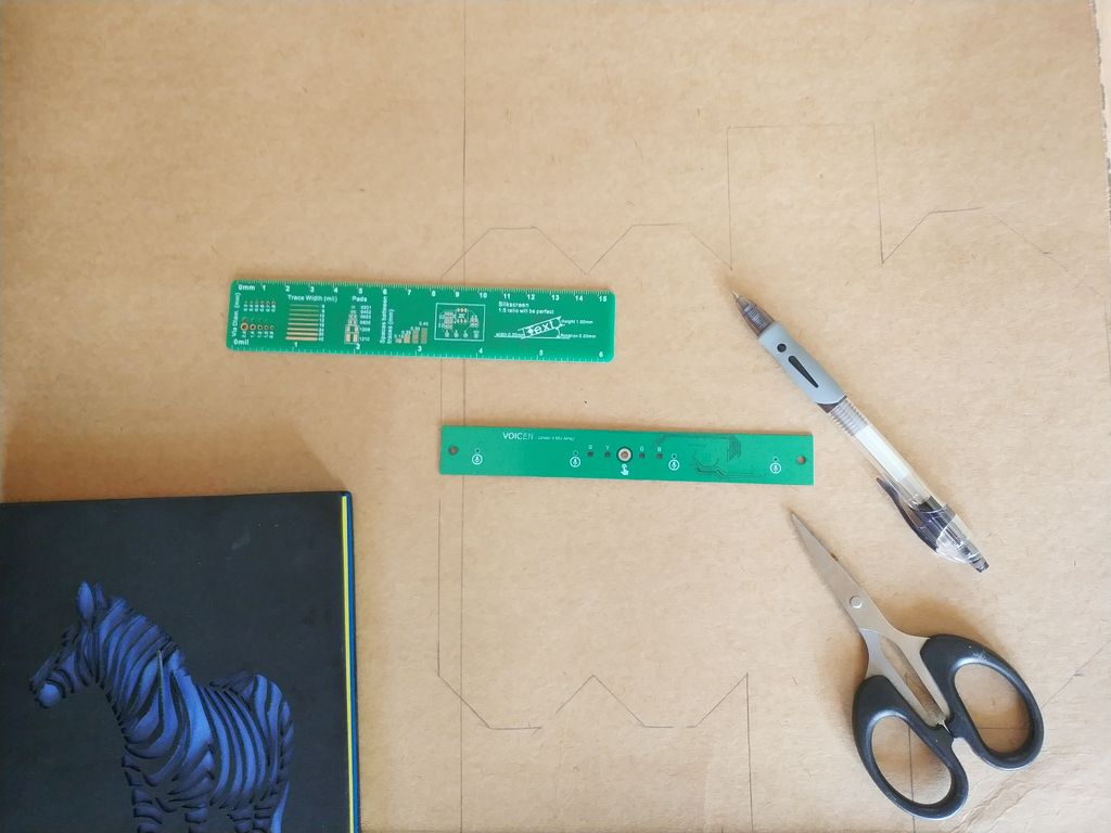 Picture of Draw the Outlines of the Paper Case