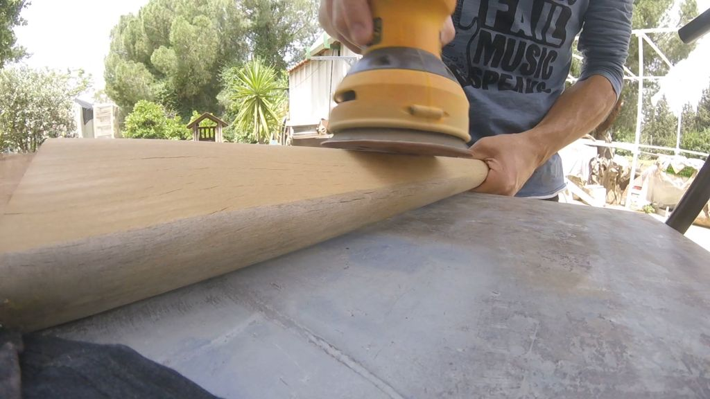 Picture of Table Legs Sanding