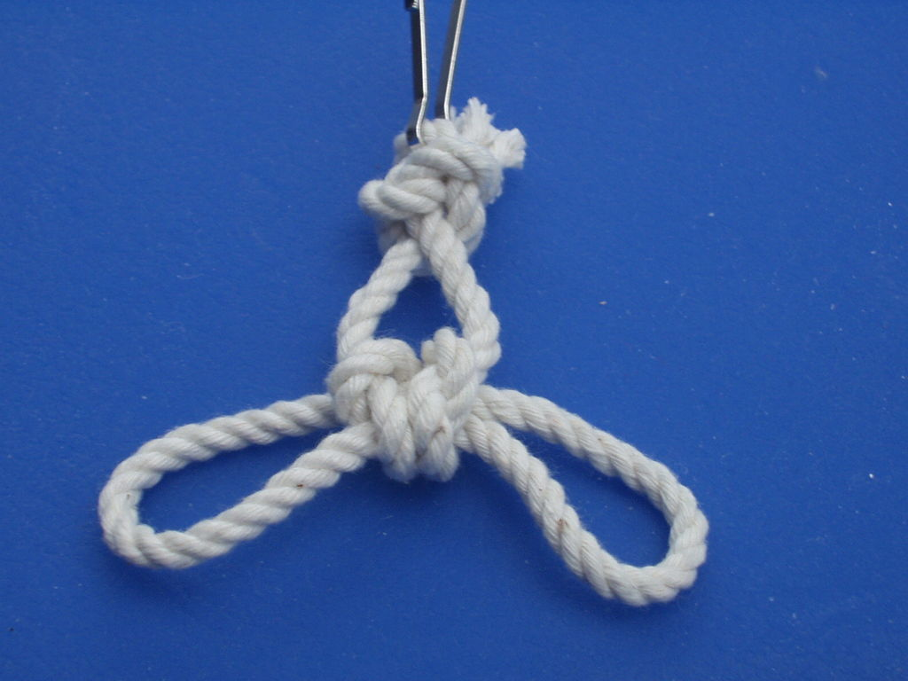 Picture of Rabbit Head Knot
