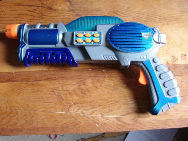 Selecting a Gun, Materials
