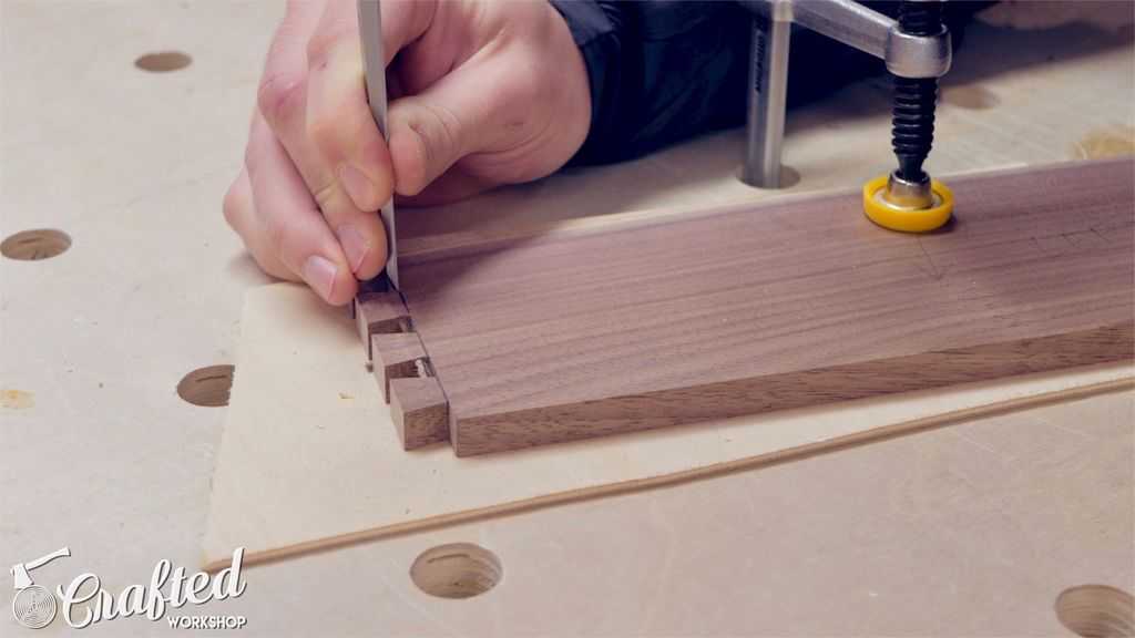 Picture of Layout Dovetails and Cut Tails