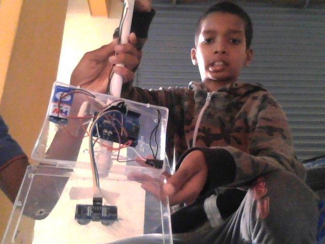 Picture of Empty Box Arduino and Ultrasonic Sensor