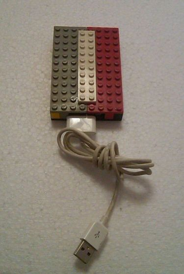 Broken 2GB Ipod Nano to Lego USB flash drive / Ipod Nano de 2gb descompuesto a Memoria USB Lego