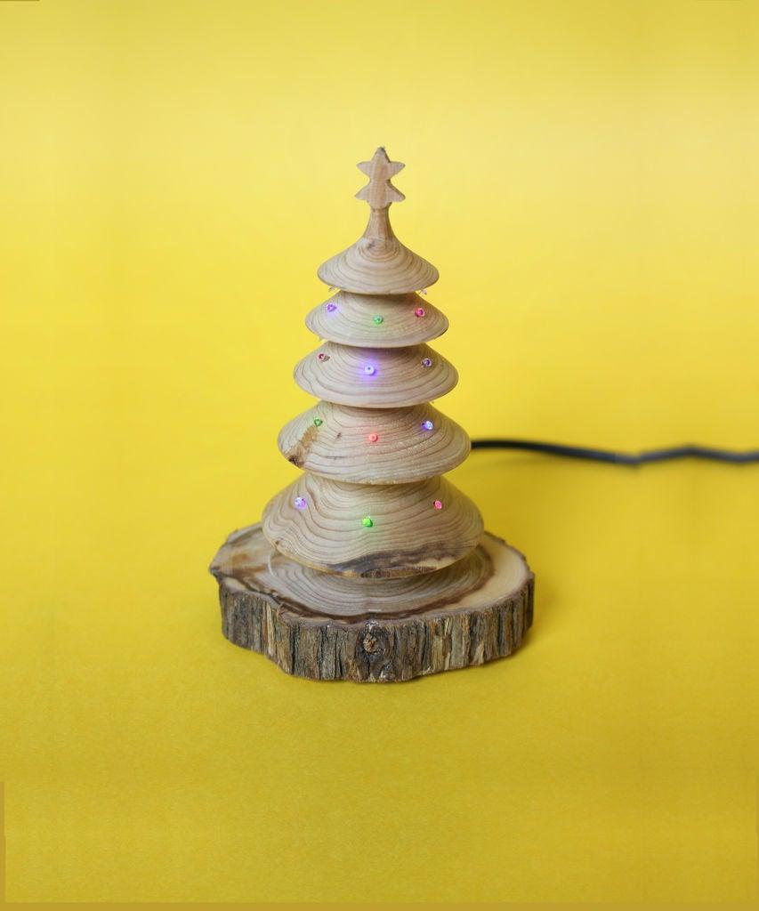 Picture of Kitsh Desktop USB Christmas Tree for Geeks