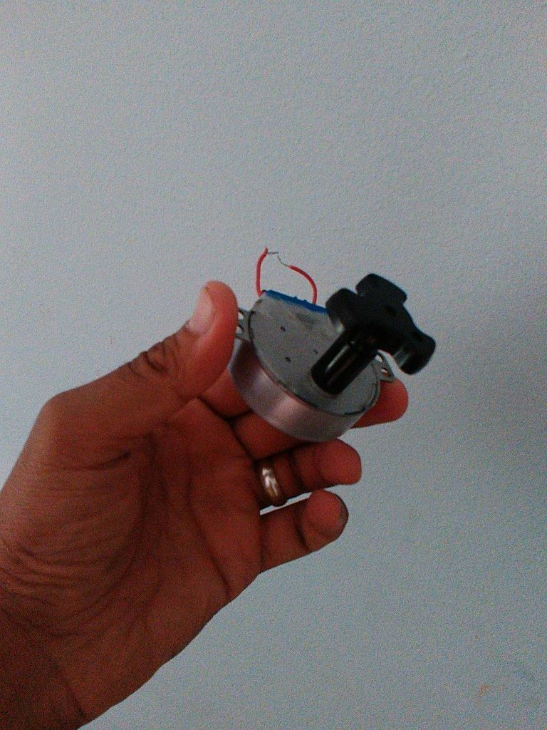 Picture of How to Make a Self Powered Hand Crank LED Belt With LED Strip and Microwave Motor