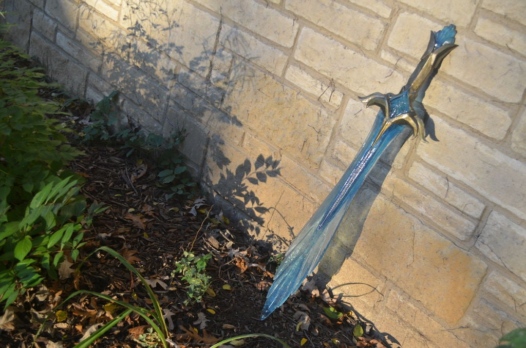 Picture of Skyrim Chillrend Prop Sword Made of Epoxy Resin
