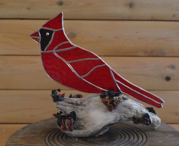 Cardinal Tabletop Adornment