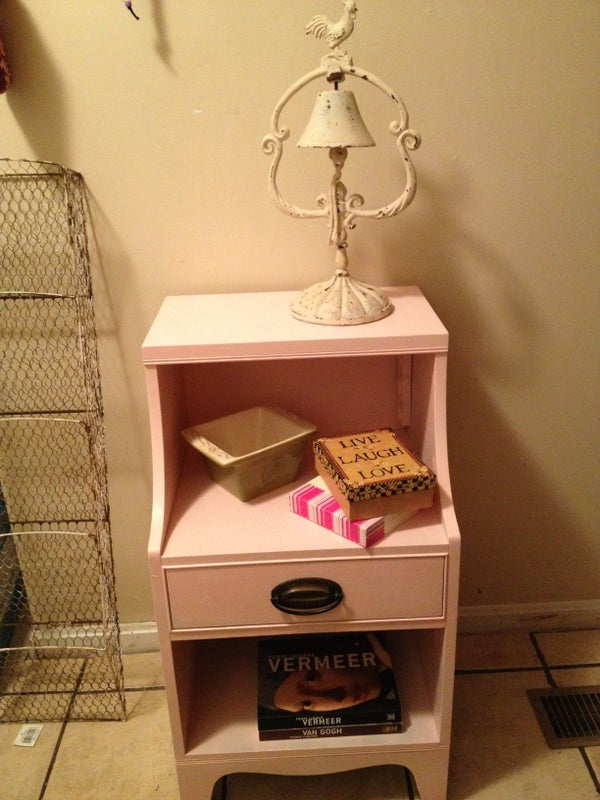 How to Paint a Side Table