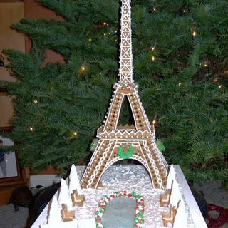 Eiffel-Tower-in-gingerbread.jpg