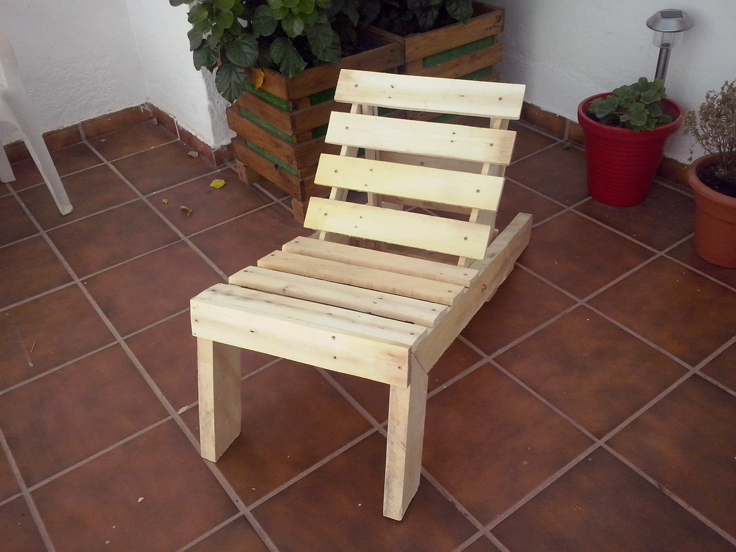 Pallet Wood Lounge Chair 8 Steps With Pictures Instructables