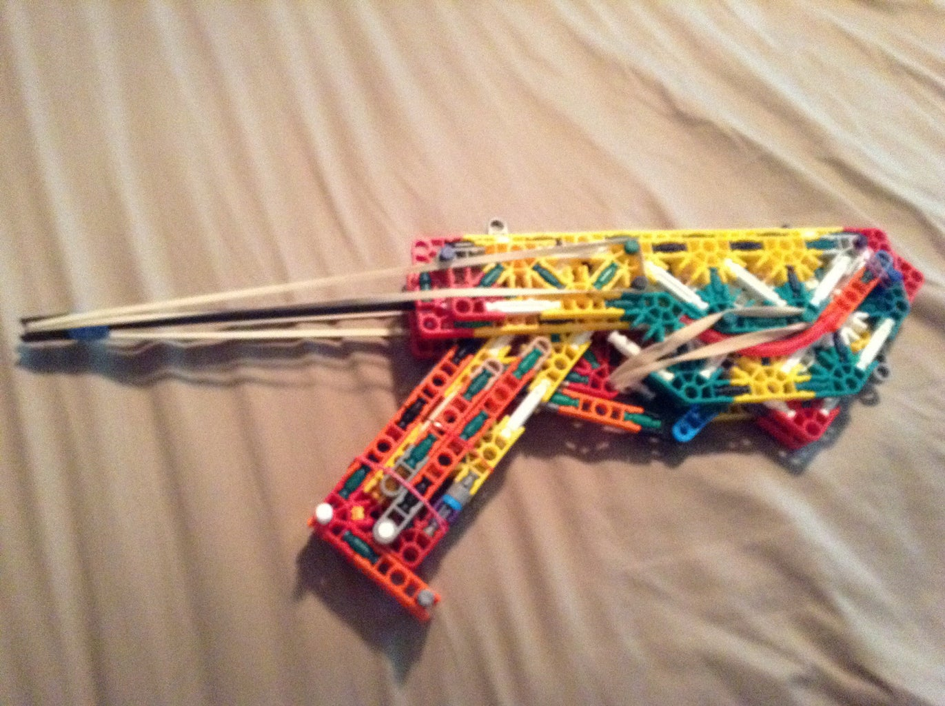 The Raptor a Knex War Pistol + INSTRUCTIONS !!!!