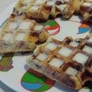 Easy Cinnabon Waffles