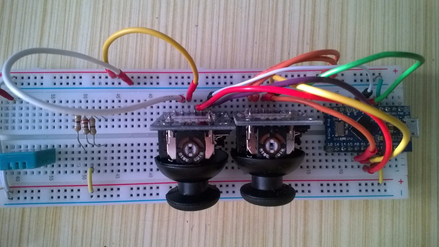 Connecting Thumbaxises and Buttons to Arduino