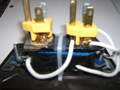 Connecting the Plugs and the Socket.
