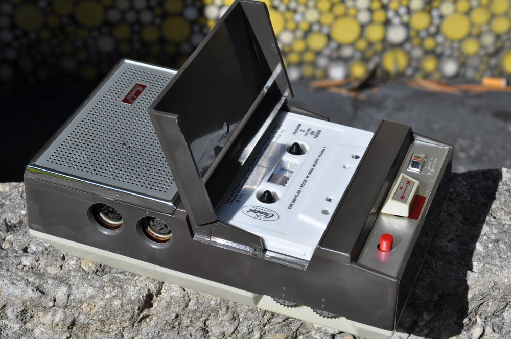 reviving a norelco philips cassette recorder from the 1960's