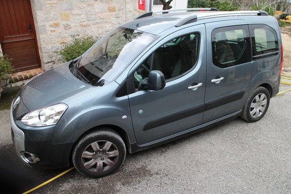 How to Arrange Sleeping Space in Peugeot Partner Tepee