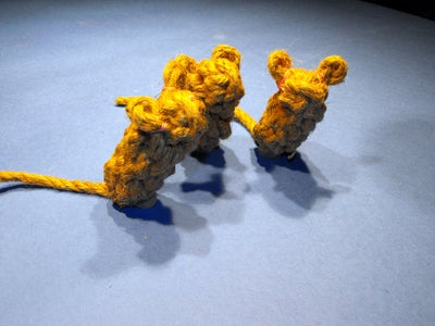 Knotty Mouse for Good Cats
