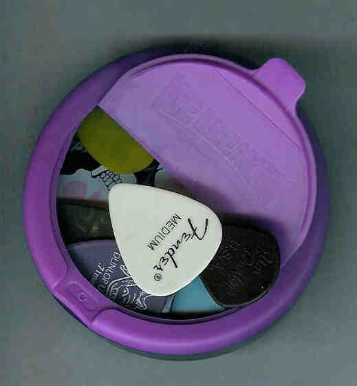 Make A Pick Holder From An Ice Breakers Sours Container