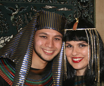 Make a King Tut/Pharaoh Head Piece From an Old Hat
