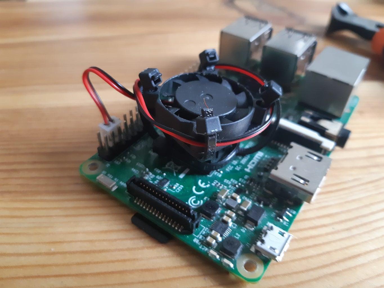 Simple Raspberry Pi Cooling Fan