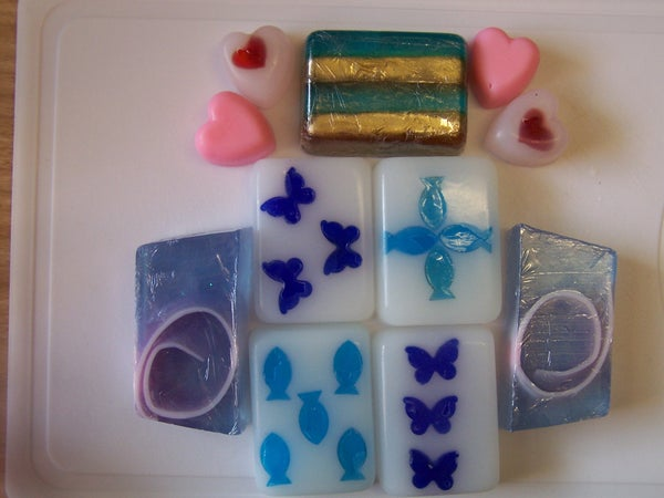 Melt and Pour Soap Making - Home Made Soap the Easy Way