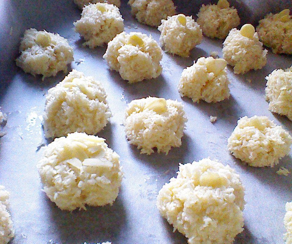 The Coconeymond Cookies