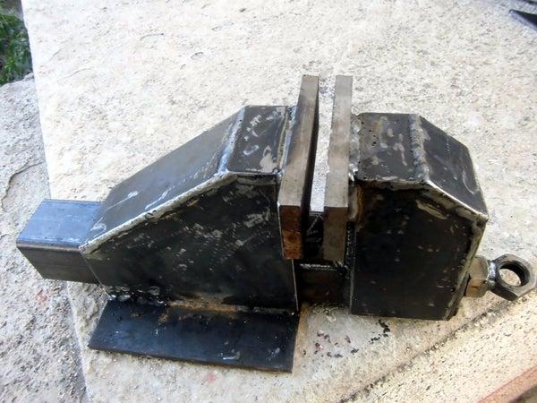 HEAVY METAL Bench Vise :)
