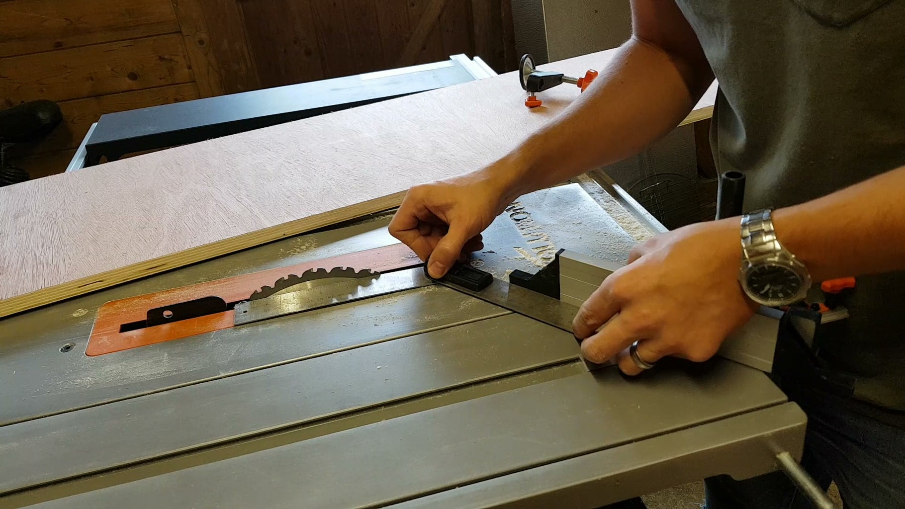 Making the Drawers: Cutting the Wood