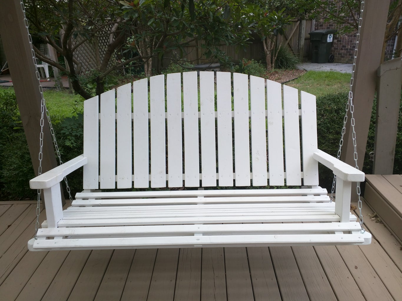 Stain or Paint the Swing. (Make Sure It's Weatherproof!)