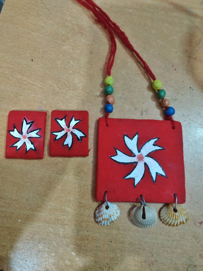 Simple Cardboard and Cloths Jewelry