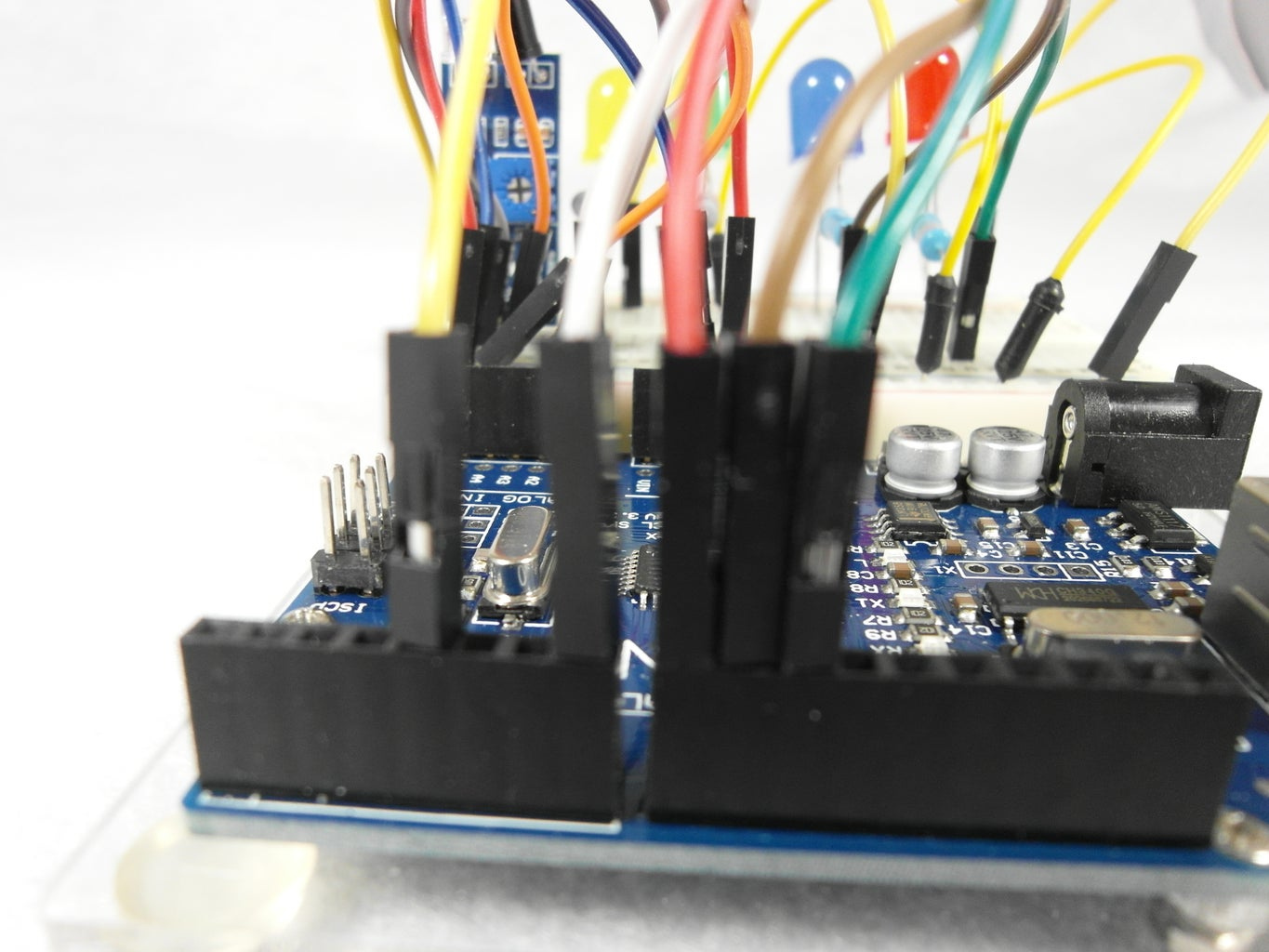 Build the Unit-Combine the IR Obstacle Avoidance Module, LEDs, and Resistors