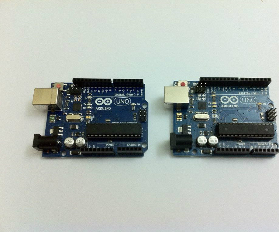 Simple Chat Program with Arduino Uno