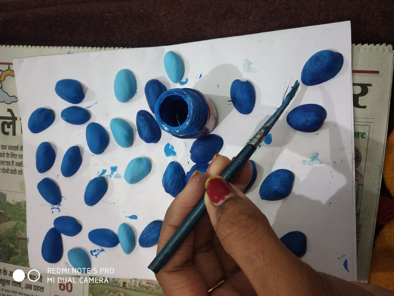 Colouring the Pistachio Shells