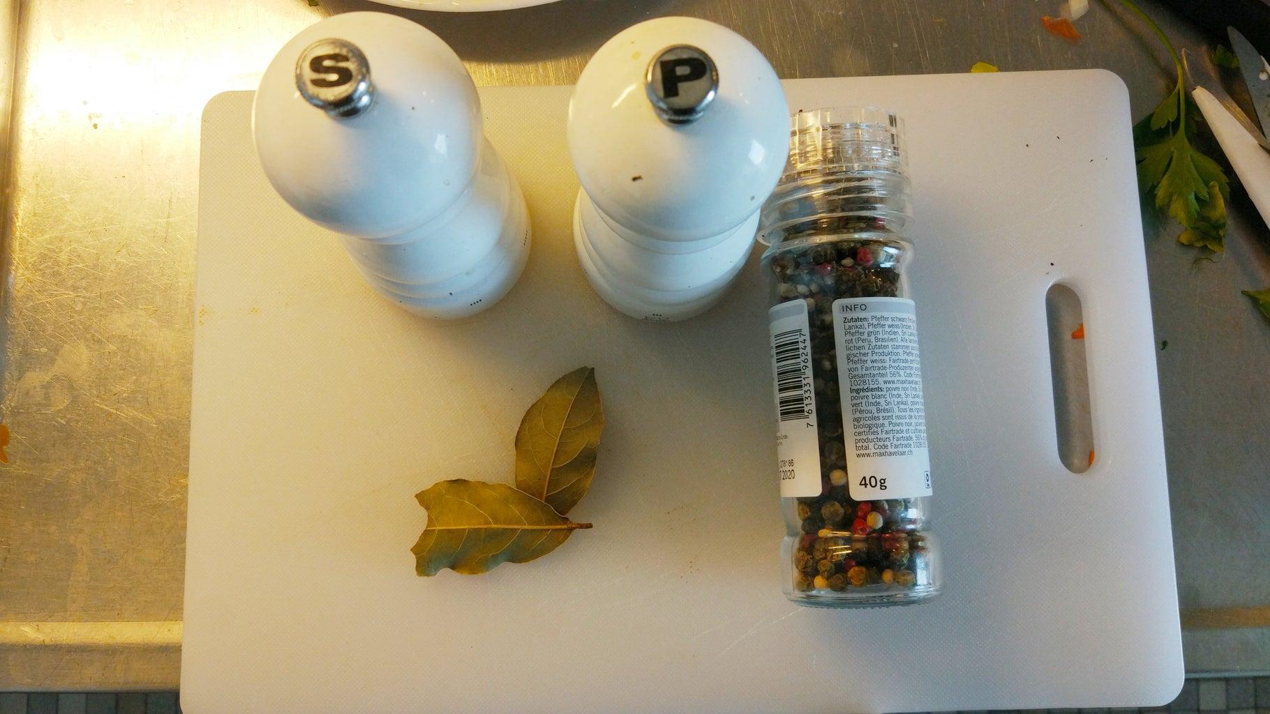 Add Bay Leaves+salt+pepper