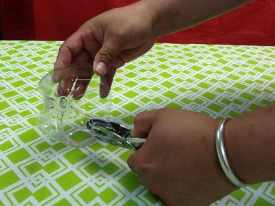 OPTIONAL Upcycle It! Plastic Bottle Zipper Change Holder