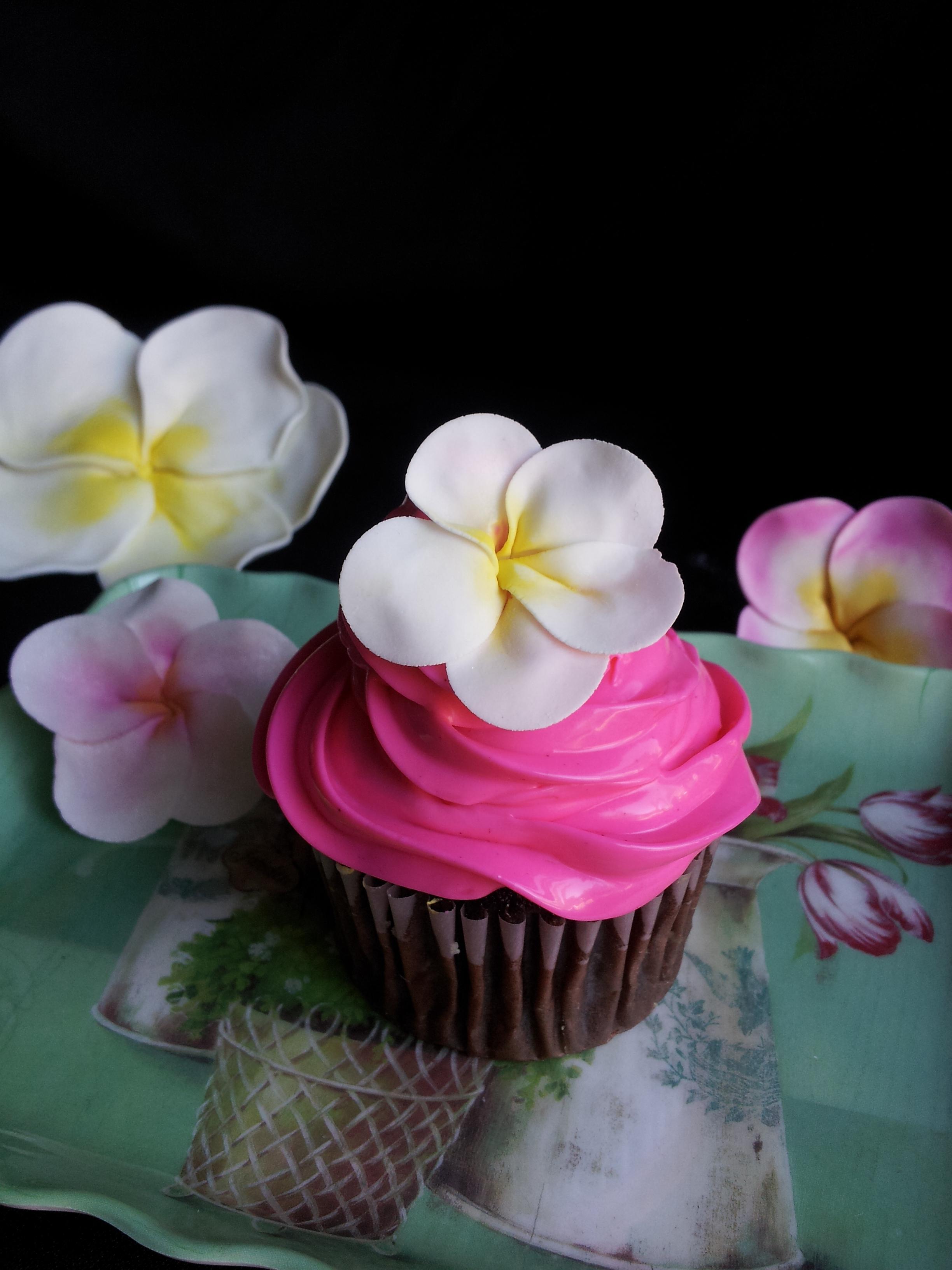 Plumeria Cupcakes (Gumpaste)