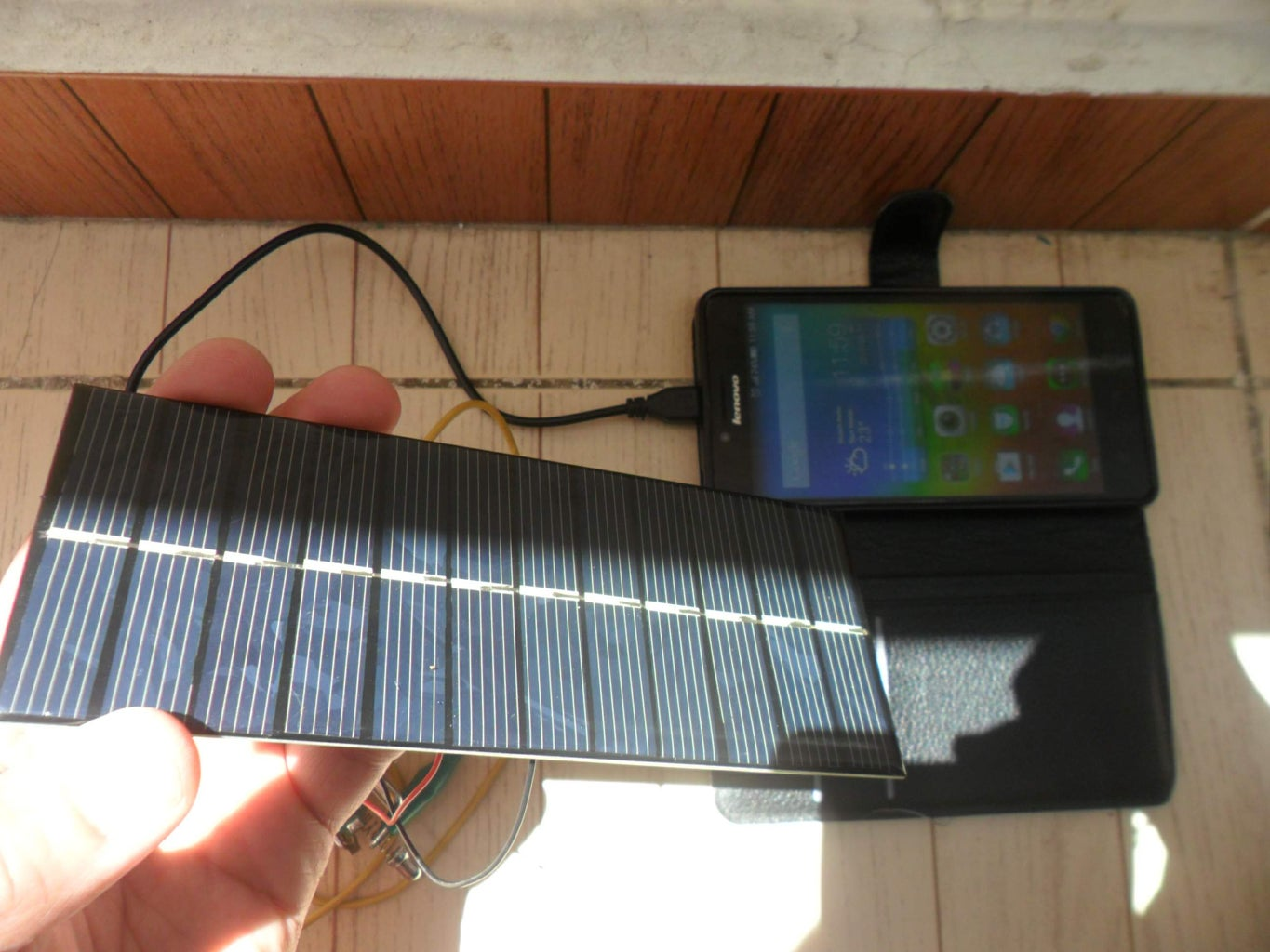5 Minutes Solar Mobile Phone Charger