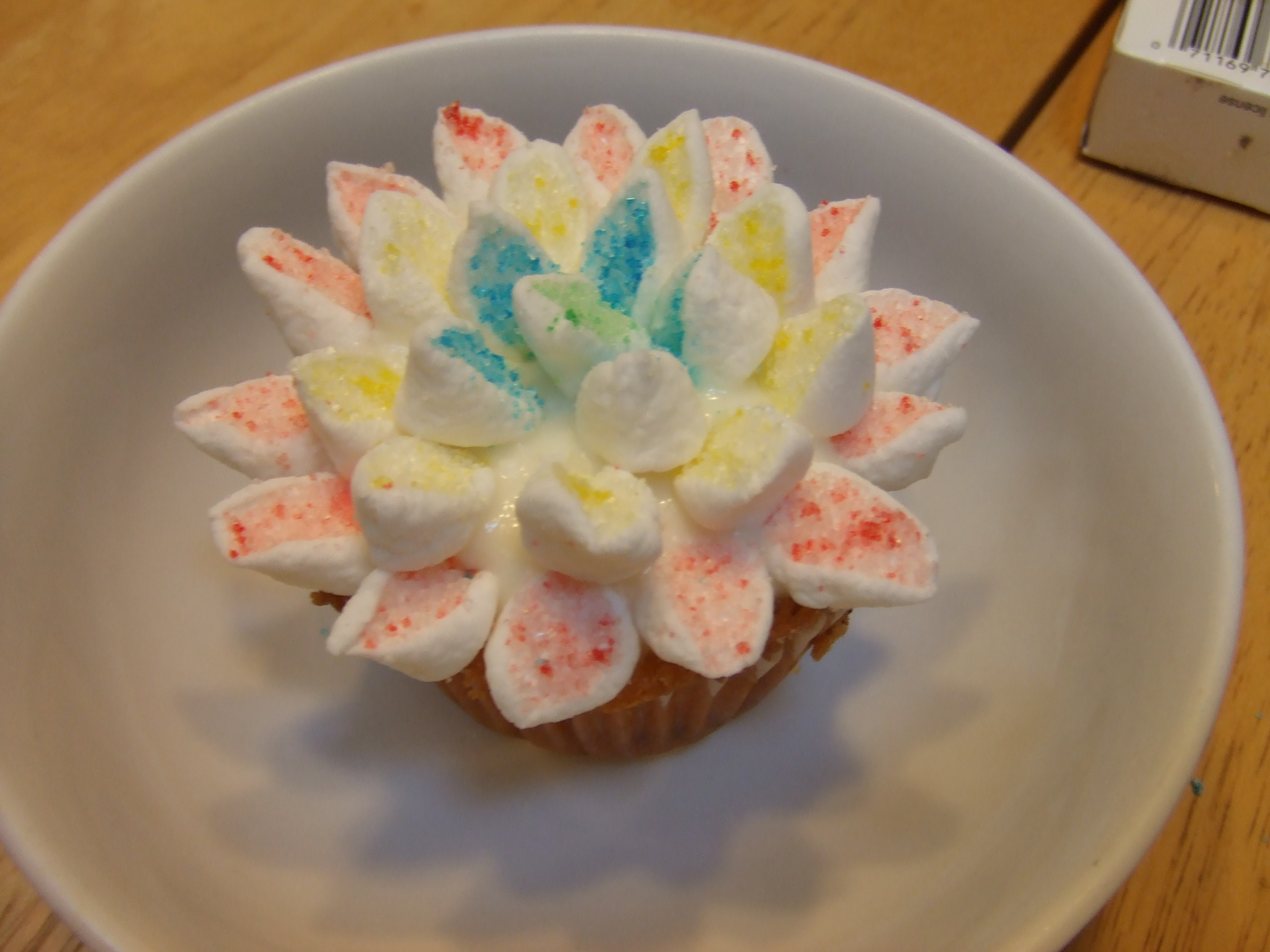 Marshmallow flower cupcakes step by step