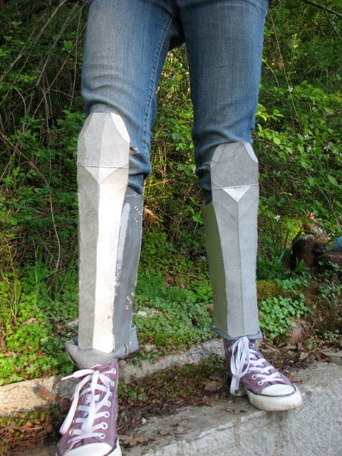 How to Make Greaves (Leg Armor) Out of Cardboard