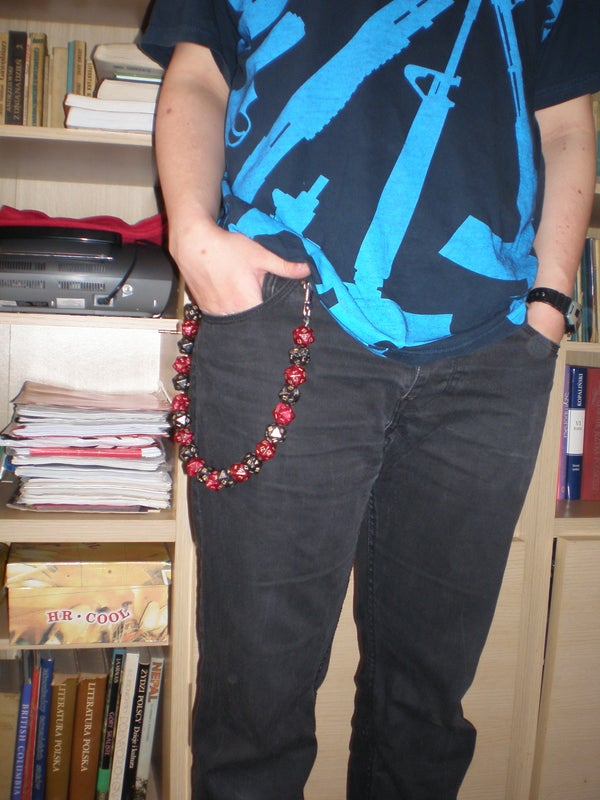Geek Chain: Chain Made Out of D20 Dice