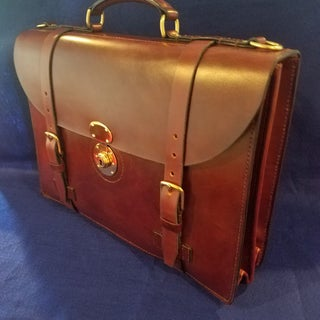 Classic Leather Briefcase With Accordion Gusset