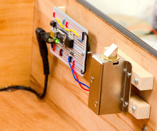 Secret Knock Detecting Drawer Lock(origional)
