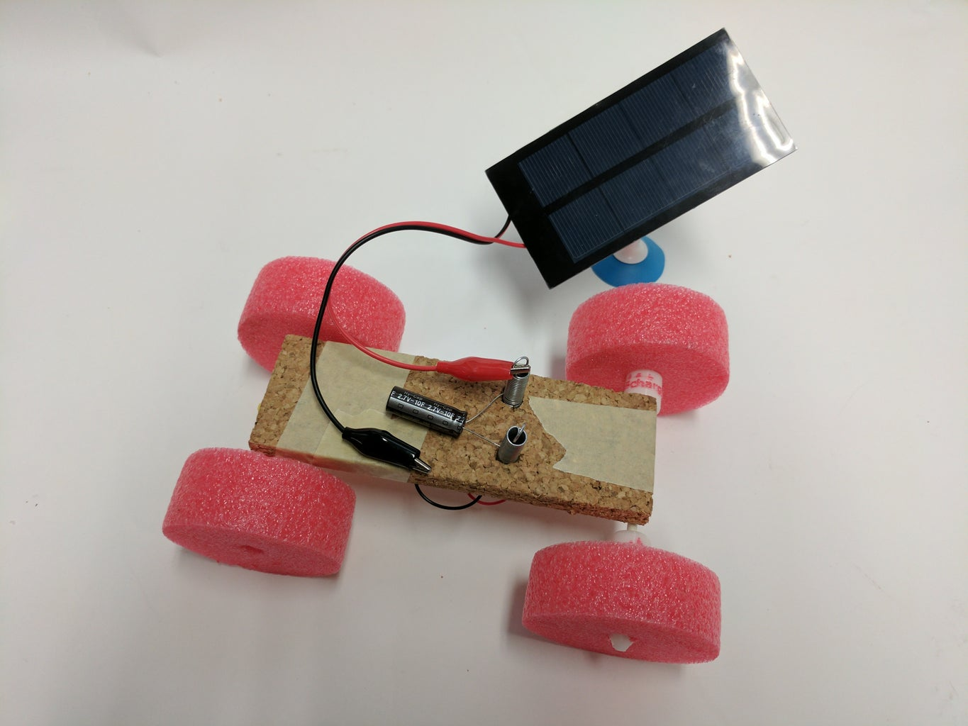 3 Ways to Make the Solar Rover Move. Method 1: Charging Station