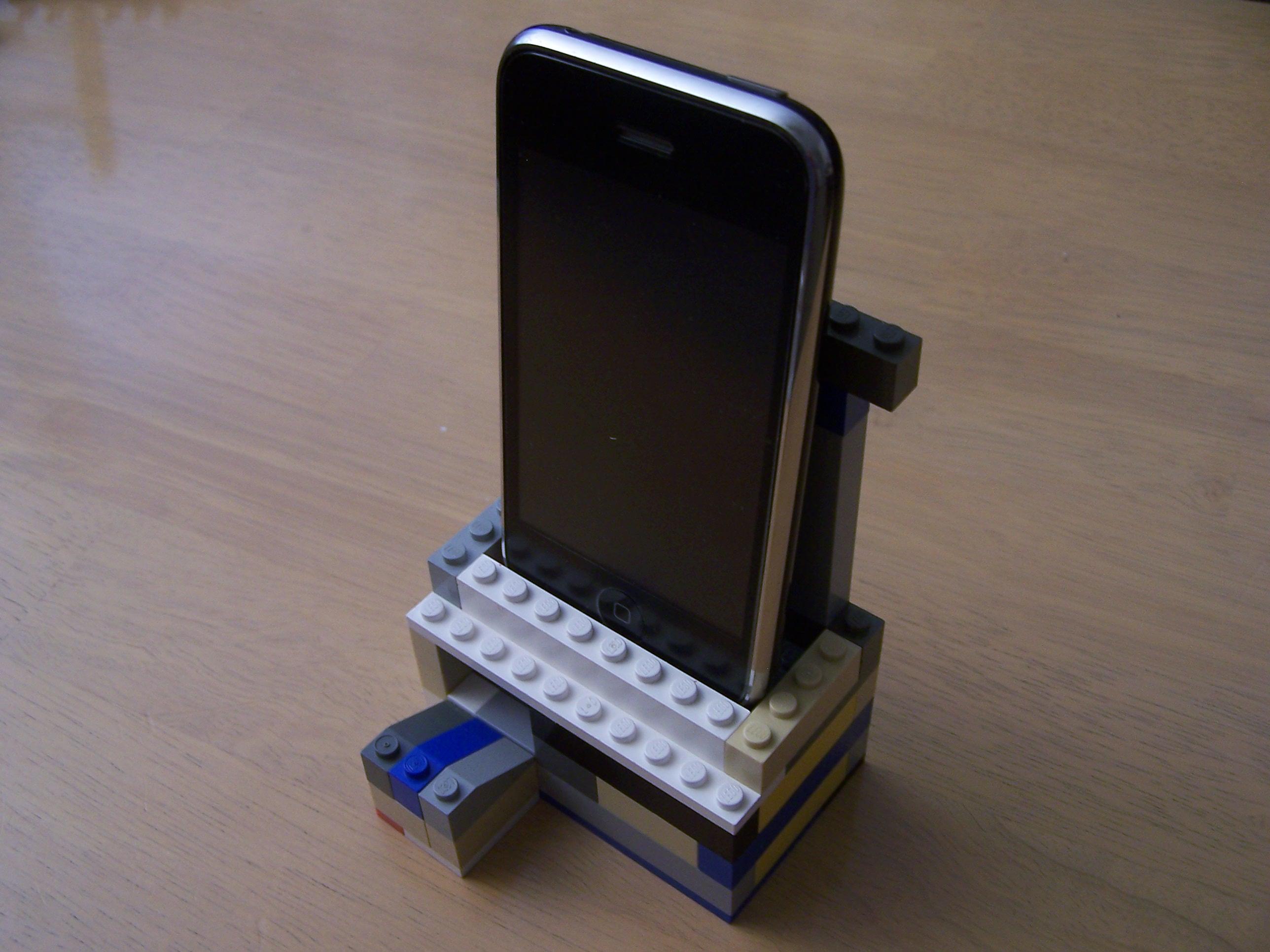 Lego iPhone Speaker Stand