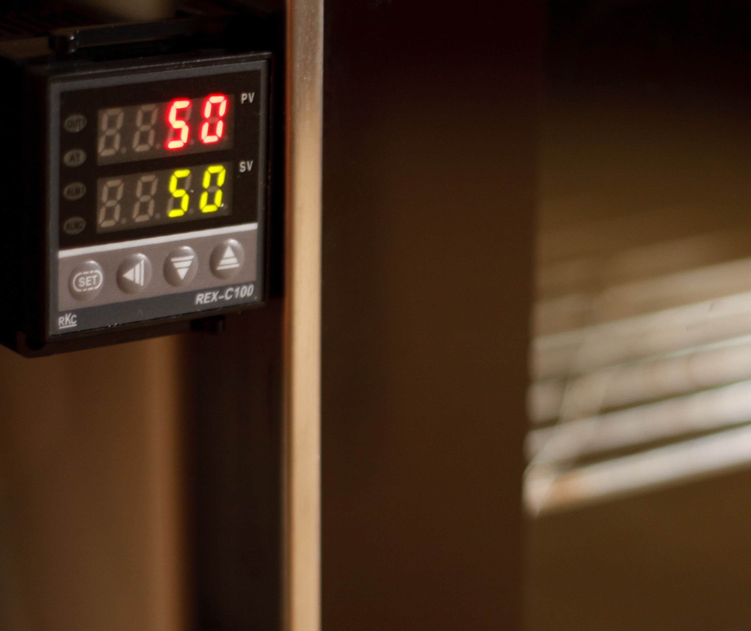 how to transform your old electric oven into a modern digital thermostat controlled one (aka: the meringues solution!)